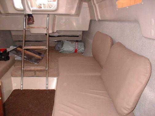 MacGregor 26M interior back