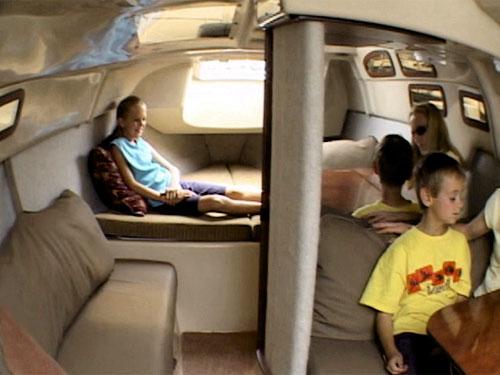 MacGregor 26M interior forward (new version)